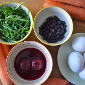 Eier färben mit Roter Beete, Blaubeeren und Co