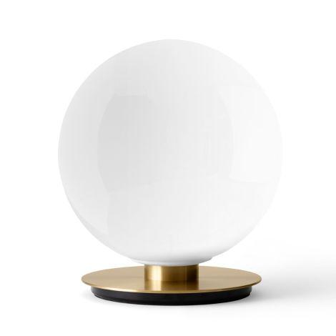 Menu TR Bulb Decken-/Wandlampe Brushed Brass mit glänzendem Opalglas