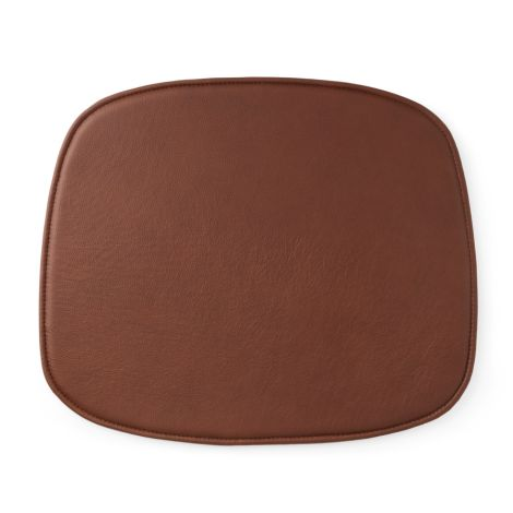 Normann Copenhagen Sitzkissen Form Leather Brandy