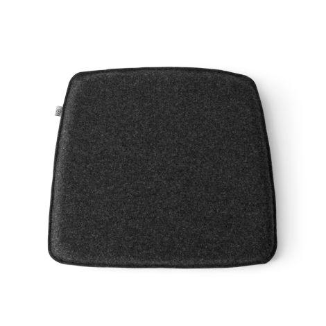 Menu WM String Sitzkissen für den Dining Chair Dark Grey