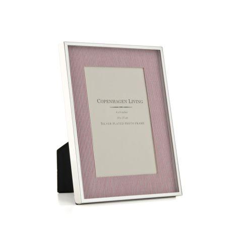Klassischer Bilderrahmen versilbert/rot-weißer Stoff 21x15,5 cm •
