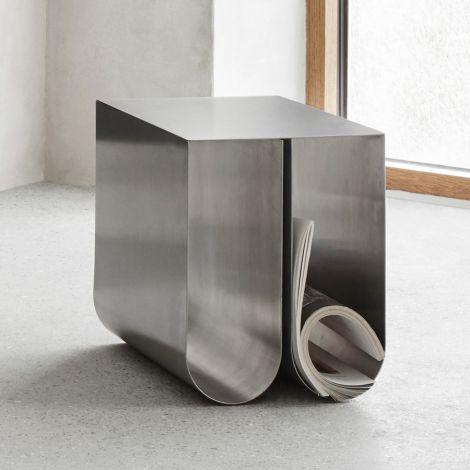 Kristina Dam Studio Curved Beistelltisch Stainless