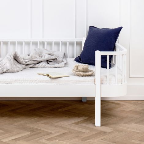 Oliver Furniture Bettsofa Wood Weiß