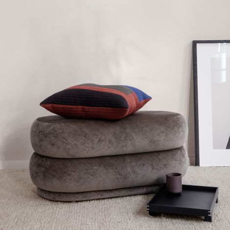 ferm LIVING Pouf Oval Faded Velvet Medium Concrete