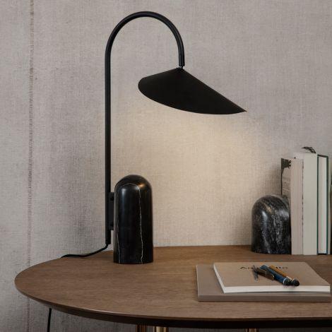 ferm LIVING Tischlampe Arum Black