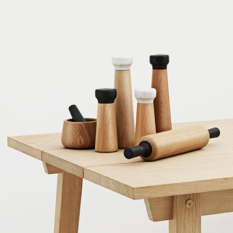 Normann Copenhagen Craft Pfeffermühle Small Oak/Black •
