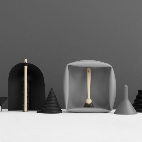 Normann Copenhagen Handfeger & Schaufel Black