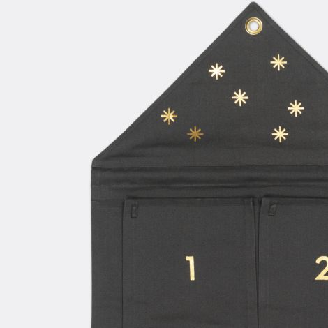 ferm LIVING Adventskalender House Dark Green
