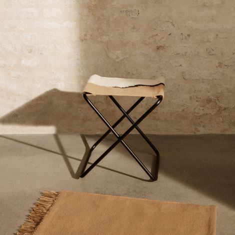 ferm LIVING Hocker Desert Black/Soil