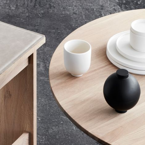 Kristina Dam Studio Aufbewahrungsgefäß Wooden Sphere Black