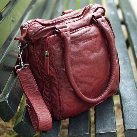 Sticks and Stones Ledertasche Belize Cherry Red Washed