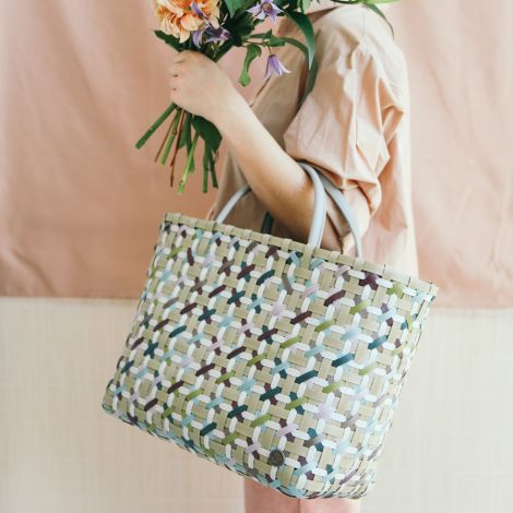 Handed By Shopper Blossom Mix White
