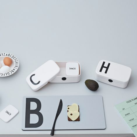 Design Letters Lunchbox R •