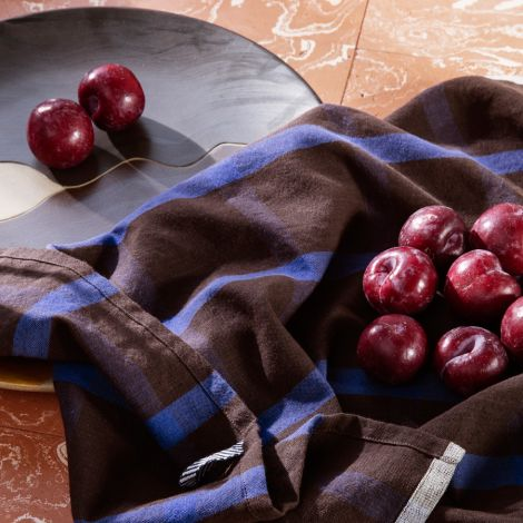 ferm LIVING Geschirrtuch Hale Chocolate/Bright Blue