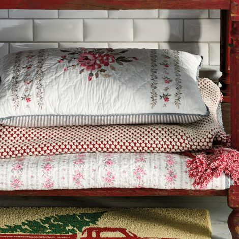 GreenGate Tagesdecke Dot Red