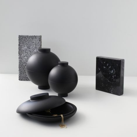 Kristina Dam Studio Aufbewahrungsgefäß Wooden Galaxy Black