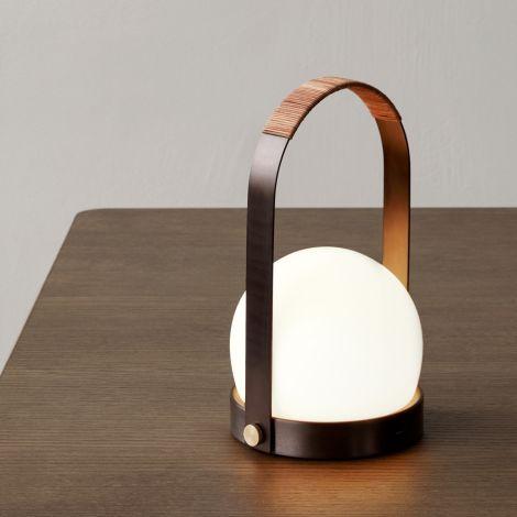 Menu Carrie LED Lampe wiederaufladbar Bronzed Brass