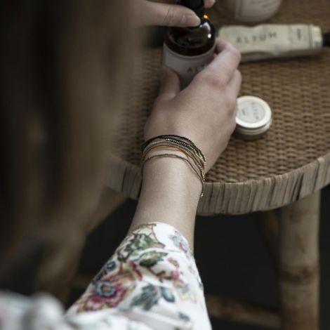 IB LAURSEN Armband Glas- und Metallperlen auf Gummiband Gold 6er-Set