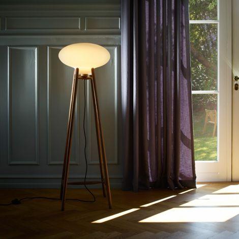 FDB Møbler U5 - Hiti Stehlampe Lampenschirm Natur, Opales Glas, Schwarzes Kabel