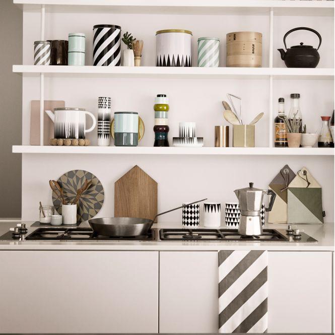 ferm living porzellan becher geometry cup 3 online kaufen emil paula. Black Bedroom Furniture Sets. Home Design Ideas
