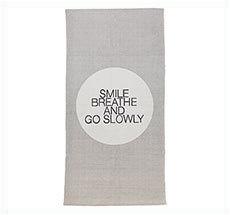 Bloomingville Teppich-Läufer Smile Breathe Move Mint/Grau