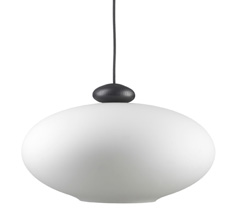 FDB Møbler U3 - Hiti Pendulum Deckenlampe Schwarz, Opales Glas, Schwarzes Kabel