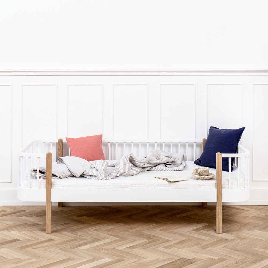 Oliver furniture bettsofa wood eiche online kaufen emil for Couch 90x200