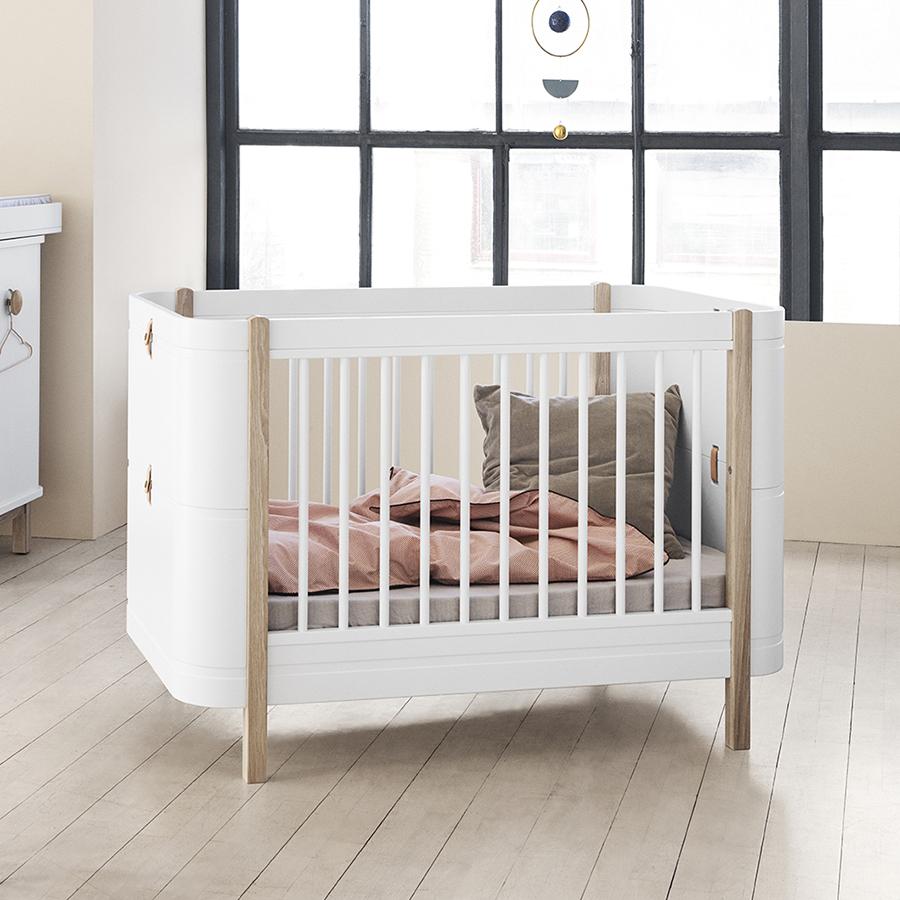 oliver furniture baby und kinderbett wood mini wei eiche online kaufen emil paula. Black Bedroom Furniture Sets. Home Design Ideas