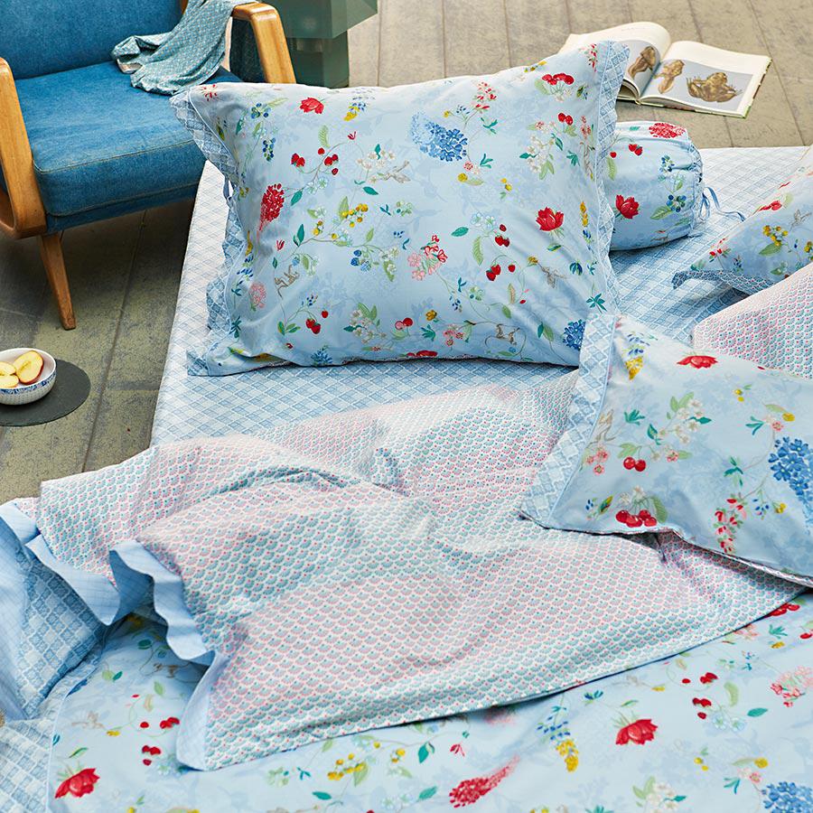 pip studio bettw sche hummingbirds blue online kaufen emil paula. Black Bedroom Furniture Sets. Home Design Ideas