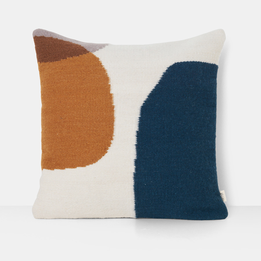 ferm living kissen kelim merge 50 x 50 cm online kaufen emil paula. Black Bedroom Furniture Sets. Home Design Ideas