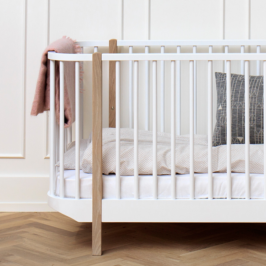 oliver furniture baby und kinderbett wood eiche online kaufen emil paula. Black Bedroom Furniture Sets. Home Design Ideas