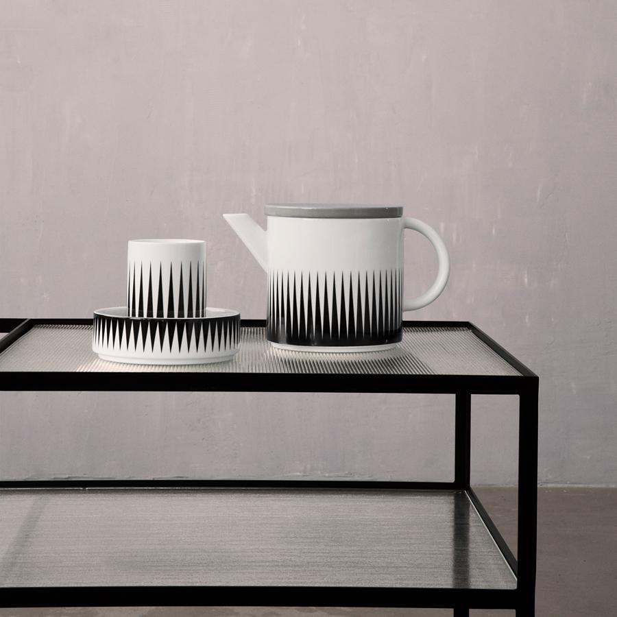 ferm living porzellan becher geometry cup 1 online kaufen emil paula. Black Bedroom Furniture Sets. Home Design Ideas