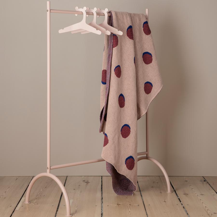 ferm living kinder kleiderst nder dusty rose online kaufen emil paula. Black Bedroom Furniture Sets. Home Design Ideas