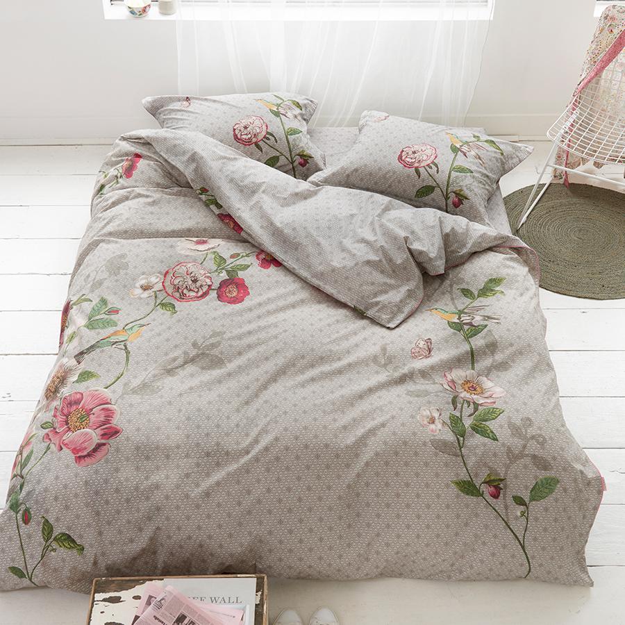 pip studio bettw sche pip poppy khaki 135 x 200 cm kissenbezug 80 x 80 cm online kaufen emil. Black Bedroom Furniture Sets. Home Design Ideas