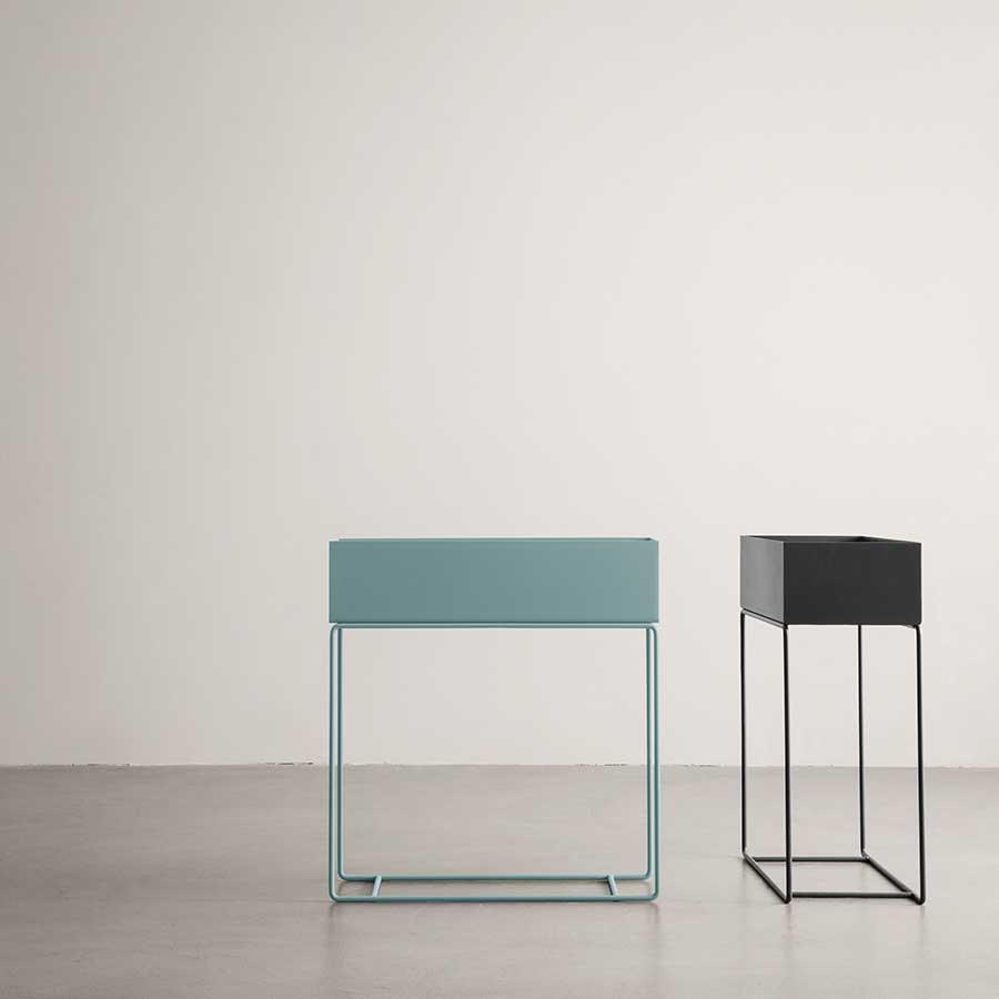 ferm living pflanzenst nder dusty blue online kaufen. Black Bedroom Furniture Sets. Home Design Ideas