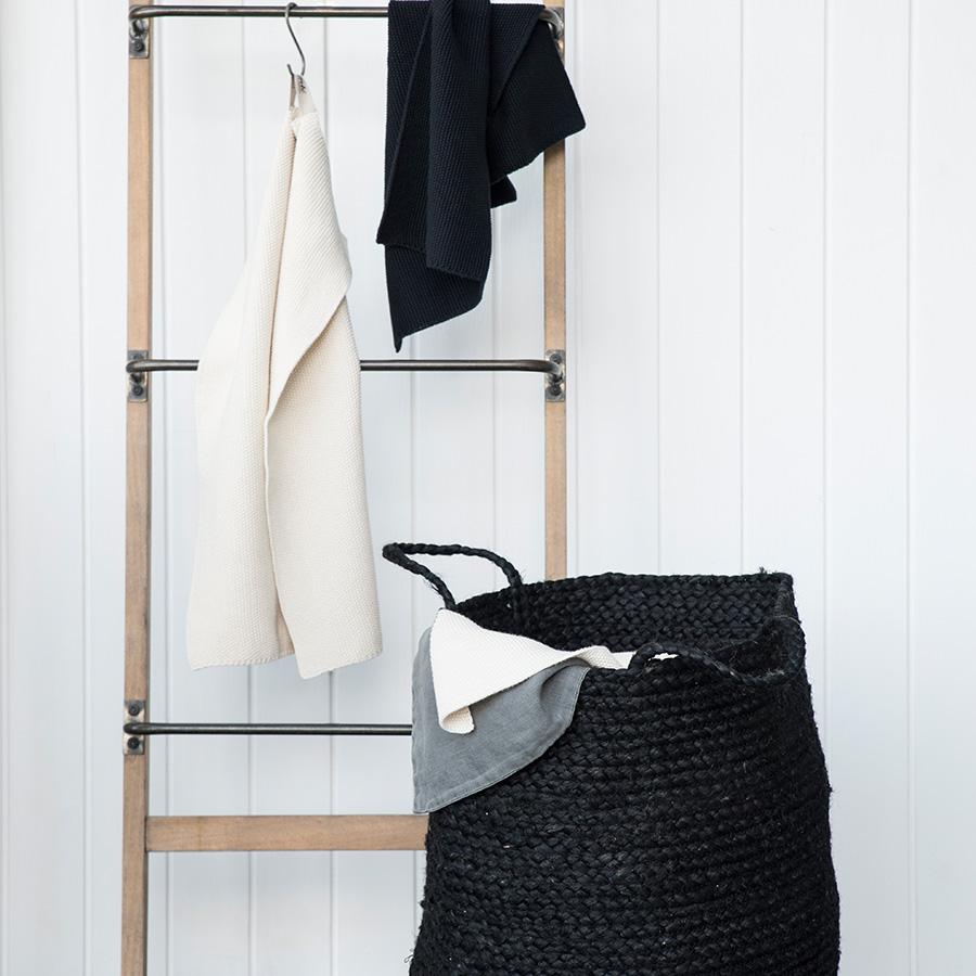 ib laursen korb mit henkel schwarz online kaufen emil paula. Black Bedroom Furniture Sets. Home Design Ideas
