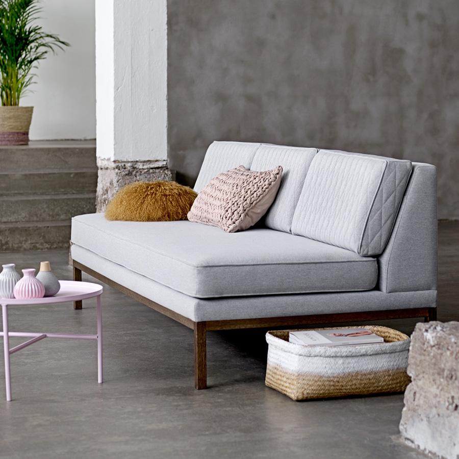 bloomingville metall beistelltisch rosa online kaufen emil paula. Black Bedroom Furniture Sets. Home Design Ideas