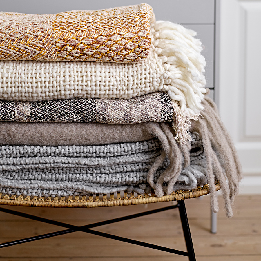 bloomingville tagesdecke nature online kaufen emil paula. Black Bedroom Furniture Sets. Home Design Ideas