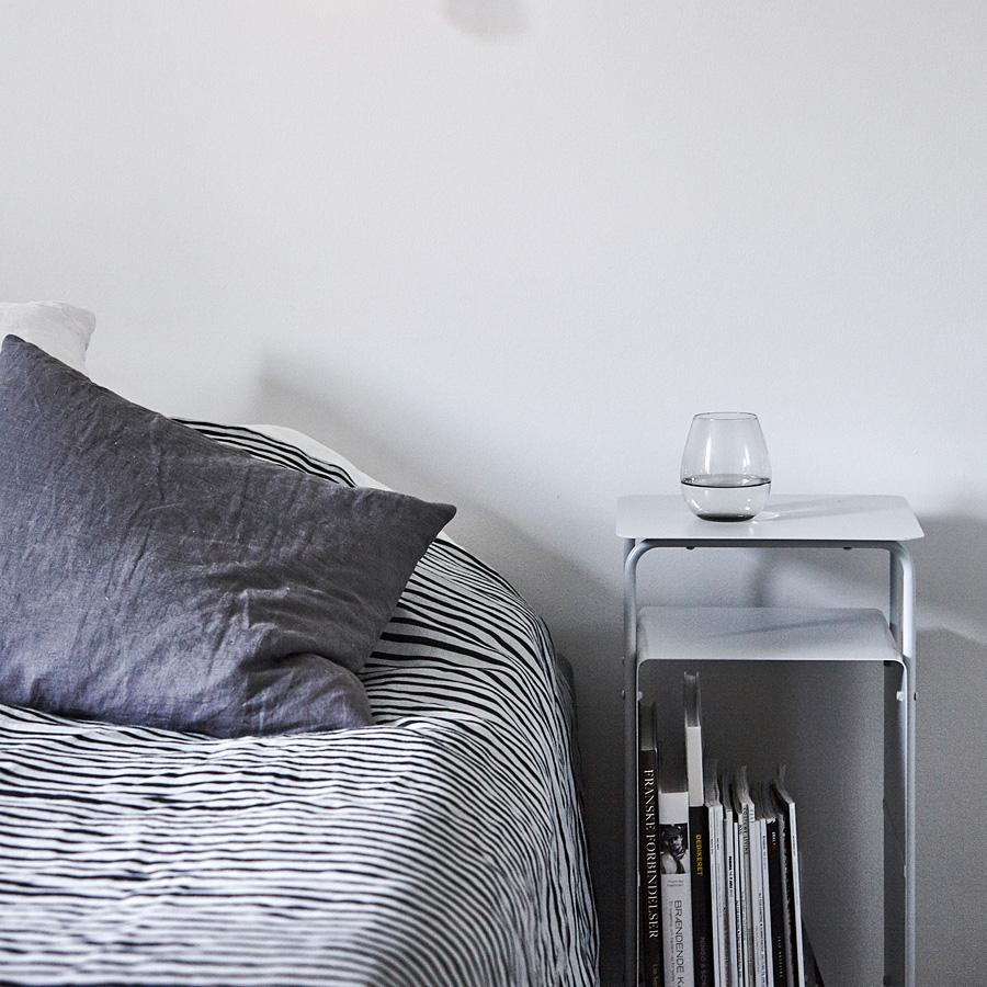 house doctor tagesdecke stripe schwarz grau 140x200 online. Black Bedroom Furniture Sets. Home Design Ideas