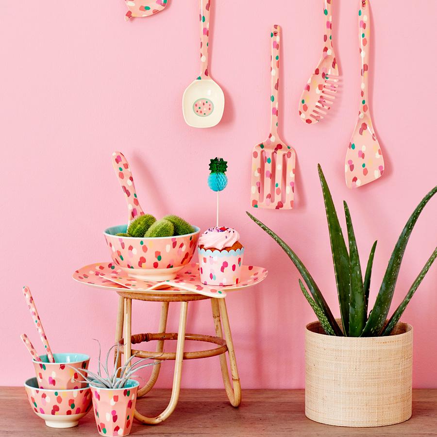 rice melamin becher two tone coral dapper dot online. Black Bedroom Furniture Sets. Home Design Ideas
