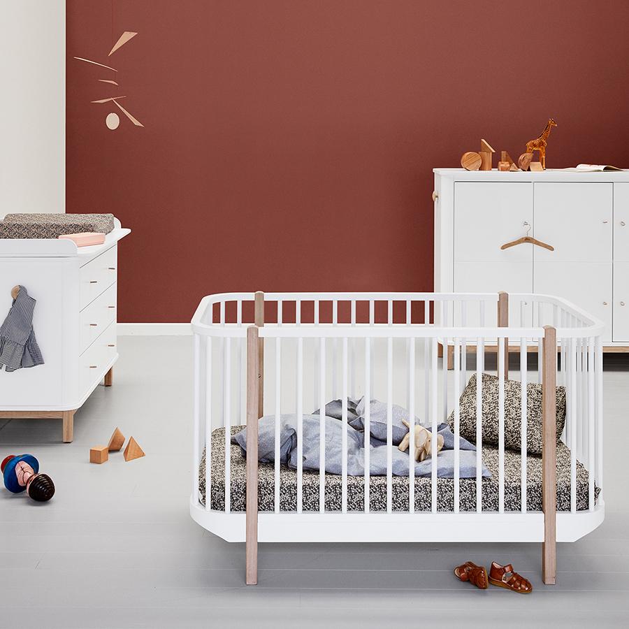oliver furniture baby und kinderbett wood eiche online kaufen emil paula. Black Bedroom Furniture Sets. Home Design Ideas