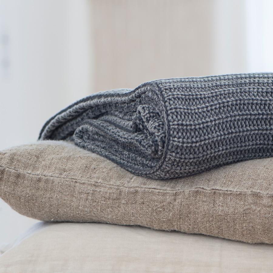 ib laursen plaid grau gestrickt online kaufen emil paula. Black Bedroom Furniture Sets. Home Design Ideas