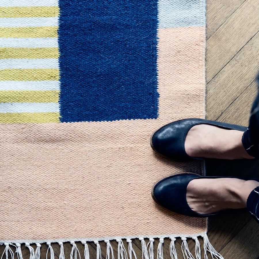 ferm living teppich kelim white lines gro online kaufen emil paula. Black Bedroom Furniture Sets. Home Design Ideas