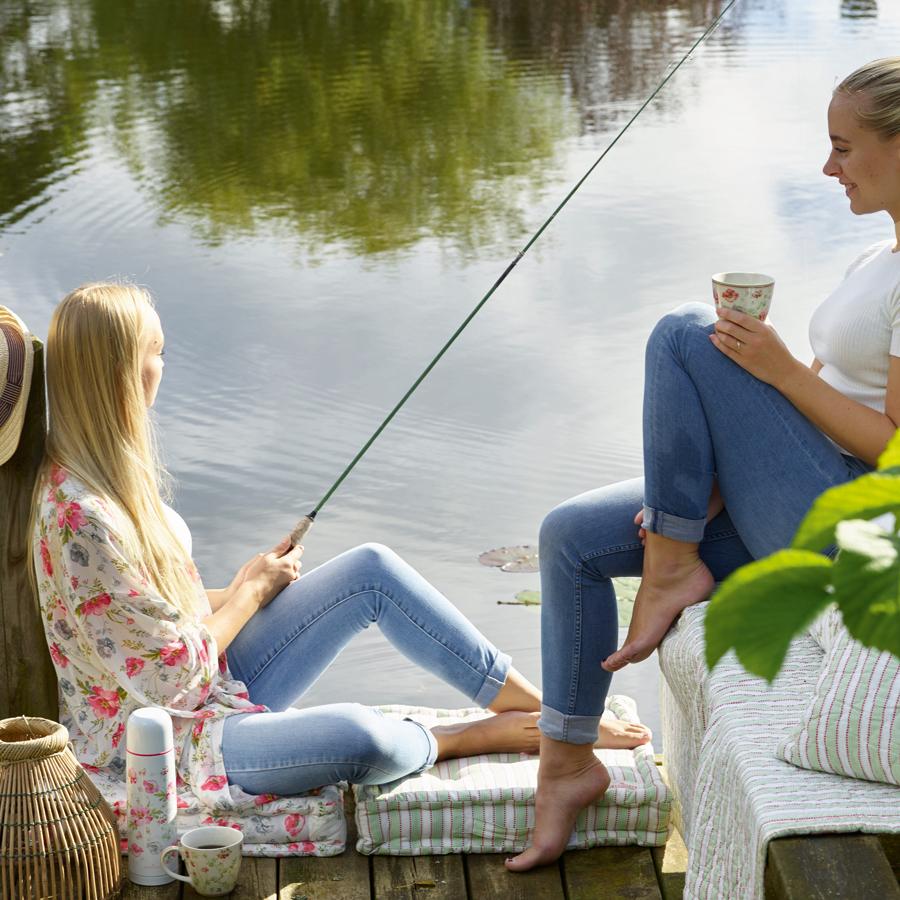 greengate sitzkissen meadow white 50x50 online kaufen emil paula. Black Bedroom Furniture Sets. Home Design Ideas