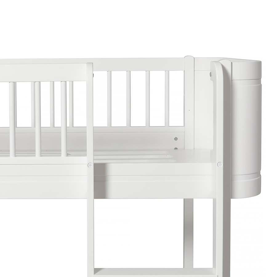 oliver furniture halbhohes hochbett wood mini wei online kaufen emil paula. Black Bedroom Furniture Sets. Home Design Ideas